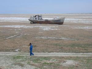 This is an image from the movie of an ocean in Europe (of course the name escapes me now...) that is almost completely dried up.